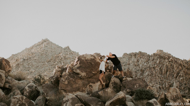 rock climbing engagement photos Joshua Tree Engagement Shoot || Abbi Cooley