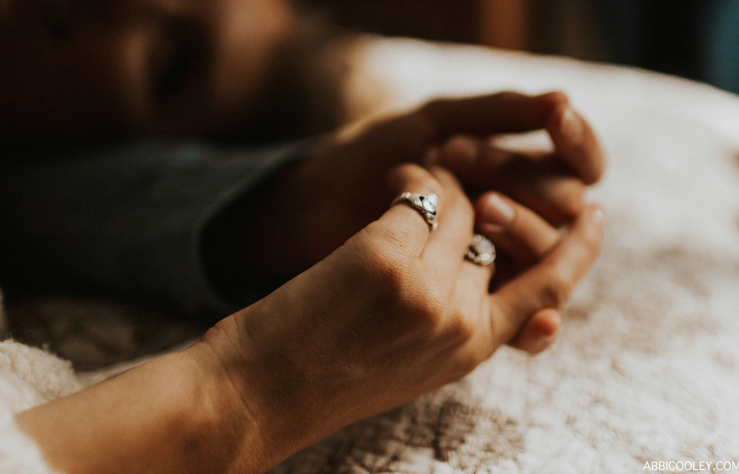 engagement ring details Waterloo Iowa in home engagement photos || Abbi Cooley